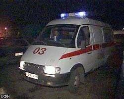 Ожидая супругу, москвич перегнулся через подоконник и упал на землю с четвертого этажа