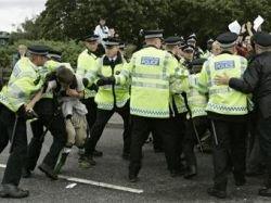 Британская полиция воюет против экологов