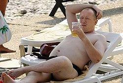 В регионах России вводится запрет на распитие пива на пляжах