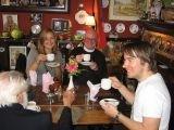 В Британии за неправильное чаепитие начали выгонять из кафе