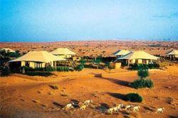 Самый странный отель в пустыне Дубая