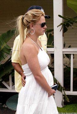 Беременная Анна Курникова с Энрике Иглесиасом не теряют время даром на его вилле в Испании (фото)