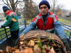 Таджиков депортируют с трапа самолета