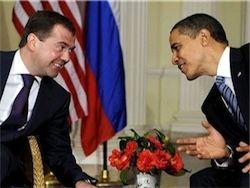 Обаме нужна помощь РФ против Ирана: Медведев смолчал