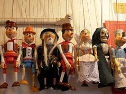 Театр марионеток, или Вновь британский след