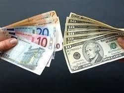 На Украине население перестало сдавать валюту