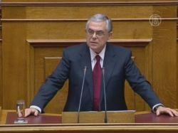 Пападемос: Грецию еще можно спасти