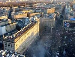 """За митингами в Варшаве приглядывает """"робокоптер"""""""