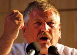Неонацисты предложили дать помощнику Гитлера Нобелевскую премию мира