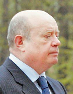 Премьер Фрадков пригрозил министру Рейману прокуратурой