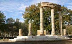 Лесные пожары в Греции подошли к Древней Олимпии