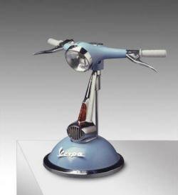 Мотолампа — винтаж на столе (фото)