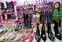 Три из четырех пар обуви, продаваемых в РФ, сделаны в КНР