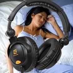 Игровые приставки, MP3-плееры и прочие электронные устройства крадут у подростков сон
