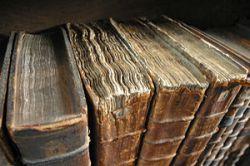 Книгам возвращают запах