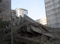 В обрушении дома в Баку власти обвинили строителей