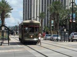 """По разрушенным ураганом \""""Катрина\"""" улицам Нового Орлеана теперь водят экскурсии"""