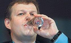 Разыскиваемый Шефлер выводит свои активы из России