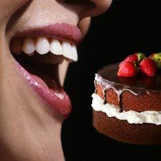 Чтобы не поправиться, шоколад лучше есть в темноте