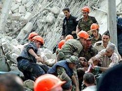 Число жертв обрушения дома в Баку достигло 17 человек