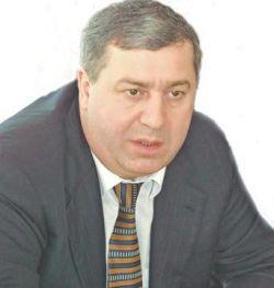 В Великобританию Гуцериев вылетел из Турции в сопровождении трех охранников