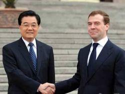 Медведев и Путин продали Сибирь и Дальний Восток