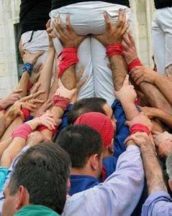 В Испании построили замки из человеческих тел (фото)