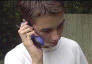 Мобильники будут стучать на подростков
