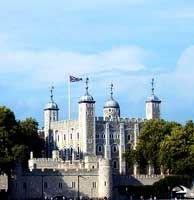 Впервые женщина стала охранником лондонского Тауэра