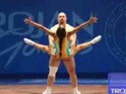 Тяжелая атлетика приобретает эротический характер (видео)