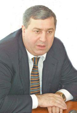 Березовский объявил Гуцериева в розыск