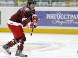 Александр Лукашенко играет в хоккей: японская версия