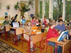 Учителя обвиняют в истязании и унижении первоклассника