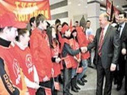 Геннадий Зюганов  на малой родине со своим электоратом