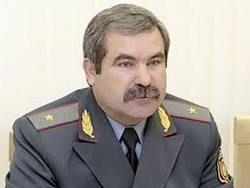 Главу МВД Беларуси во Франции встретили судебным иском