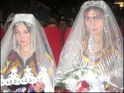 Таджикистан вводит ограничения на браки с иностранцами