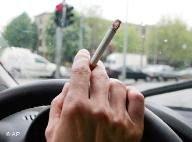 В России запретят курить за рулем?