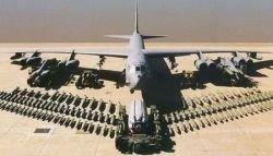B-52 по ошибке совершил полет с ядерными ракетами на борту (фото)