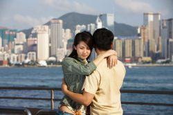 Китайских влюбленных оштрафовали за объятия