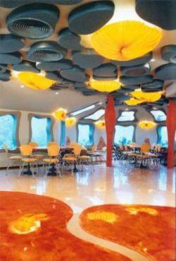 Первый в мире ресторан под водой (фото)