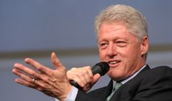 "Клинтон \""обокрал\"" бывшую любовницу"