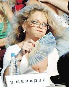 Лариса Долина устроила бикини-шоу в Сочи