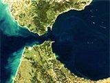 Гибралтарский пролив закрыли