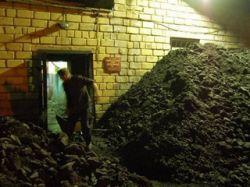 В Черногорске рабочего завалило углем