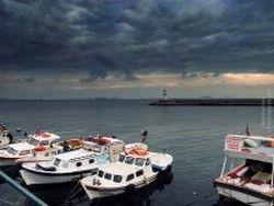 У берегов Стамбула столкнулись три судна