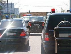 В Петербурге кортеж Путина загудели стоящие в пробке водители