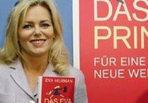 Немецкую телеведущую уволили за похвалу в адрес нацистов