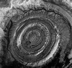 Пуп Земли расположен в пустыне Сахара (фото)