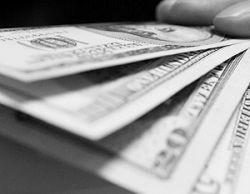 Рекордное падение американской валюты