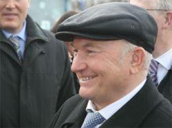 Лужков грозит увольнять чиновников за повторное согласование строительных документов